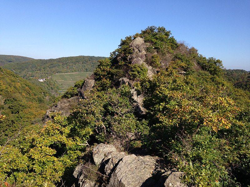 Hier steht ein Bild mit dem Titel: Der Südgipfel, mythischer Ort, selten erreicht, nie beschrieben.