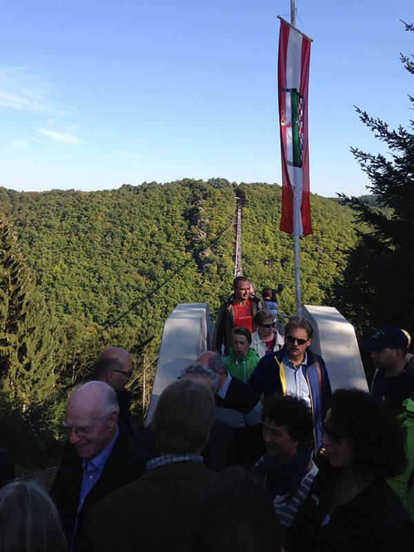 Hier steht ein Bild mit dem Titel: Stau am Sosberger Brückenkopf. Will denn keiner weiter bis Sosberg laufen? (Foto; Britta Verhaag)