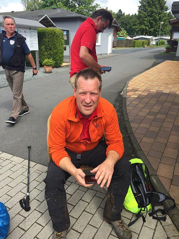 Hier steht ein Bild mit dem Titel: Unser Eisenmann (Ironman) Thilo. Der Mann mit dem Eisen im Bein (Foto: Hans-Joachim Schneier)