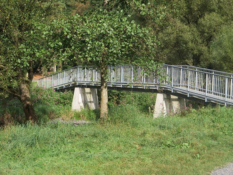 Hier steht ein Bild mit dem Titel: Die erste Brücke über die Nister. Hier beginnt für mich der Westerwaldsteig (Foto: Hans-Joachim Schneider)