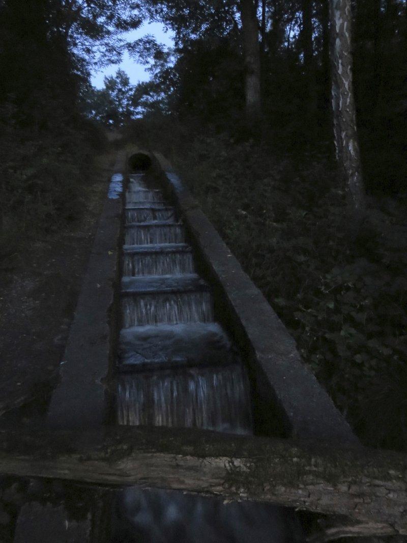 Dunkel, Wasser, Wasserkaskade, Brühler Seenplatte, Frühaufstehertour