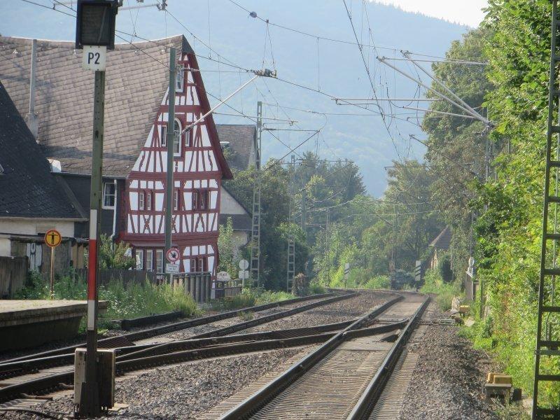 Geleise, Rhens, Bahnhof, Fachwerk, Fachwerkhaus